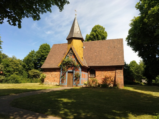 backstein johanneskapelle in adendorf